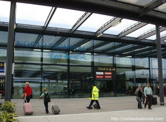 Aeroporto de Gatwick e Gatwick Express, em Londres
