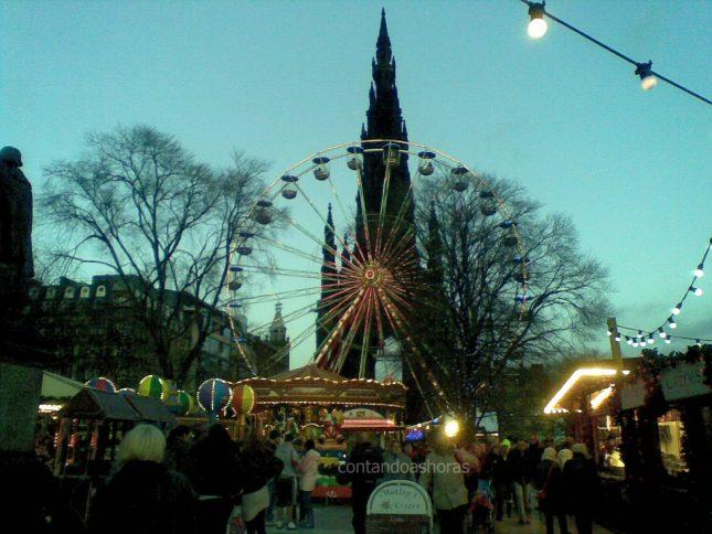Scotland's Winter Festivals: Light Night, Inauguração das Luzes de Natal em Edimburgo!