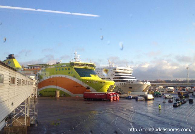 De Helsinki a Tallinn de barco!