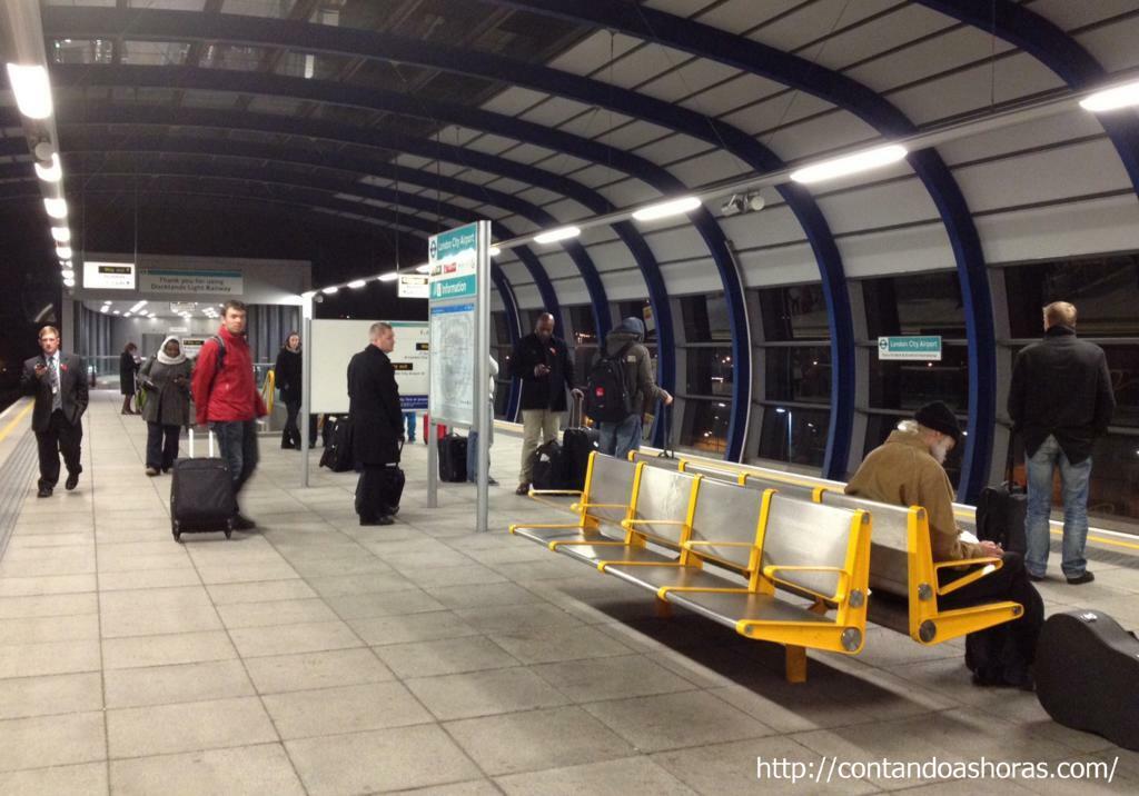 Uma das poucas estações que é fechada, a do Aeroporto London City