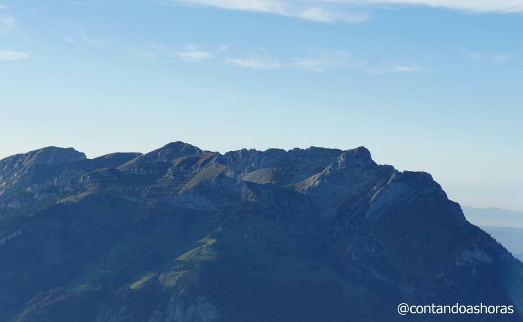 Monte Pilatus: O pico mais alto, a direita.