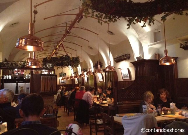 Salm Bräu: O melhor Restaurante de comida típica austríaca de Viena