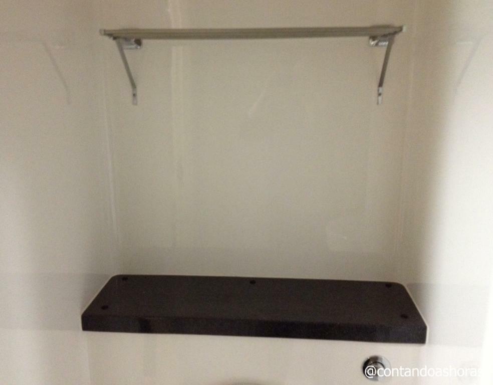 Varal no banheiro