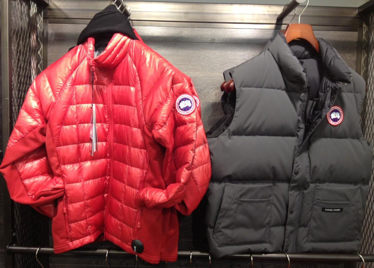 243433600 Quem gostar muito de capuz, é uma boa idéia comprar um casaco com capuz,  pois as garoas são bem frequentes por todo o Reino Unido, então ajudam a  manter os ...