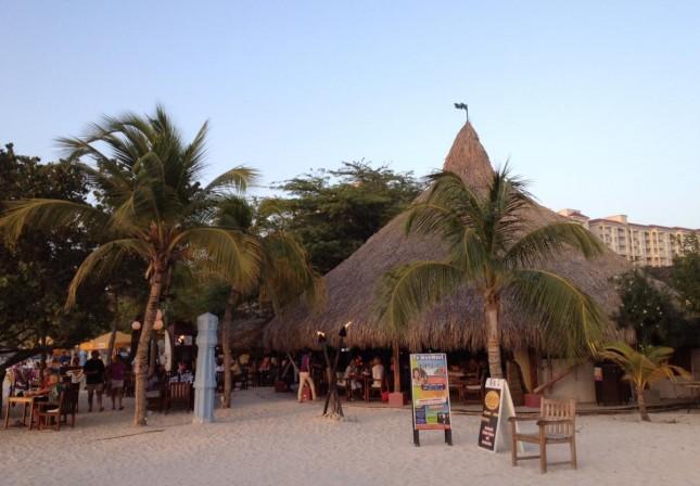 Dica de Restaurante em Aruba: MooMba Beach Bar & Restaurant