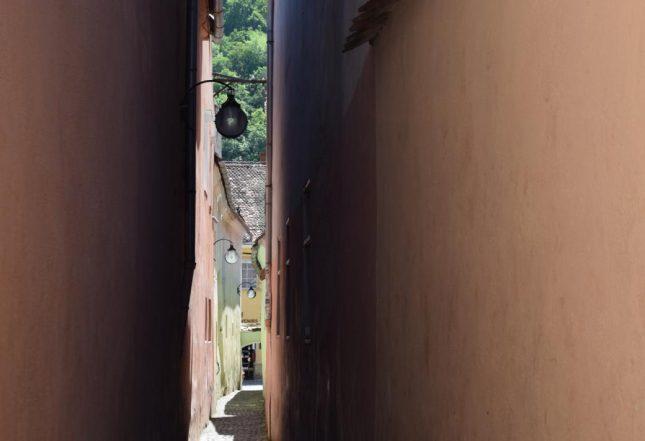 rua estreita brasov (2)