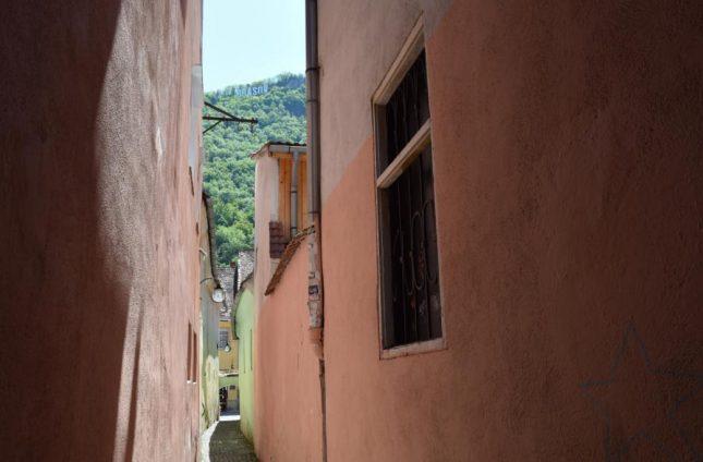 rua estreita brasov (3)