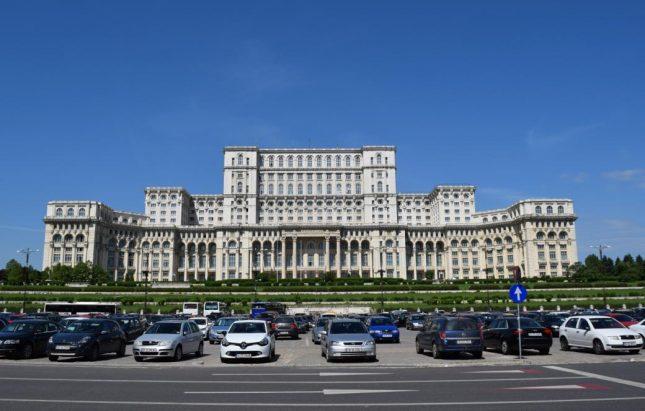 parlamento romenia (1)