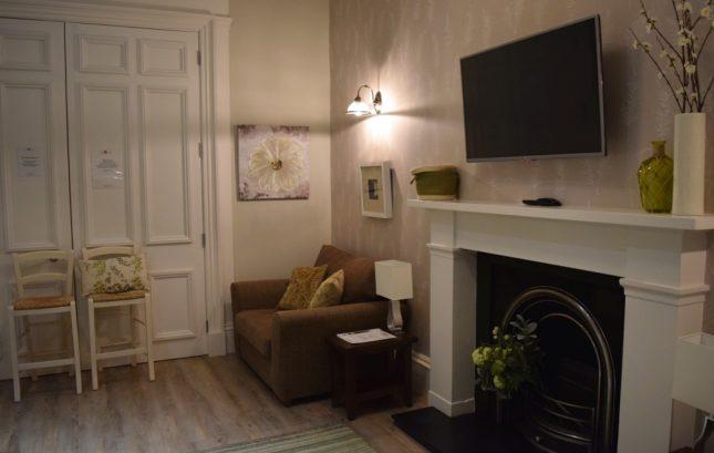 Contando as horas arquivos hospedagem em edimburgo - Television pequena plana ...