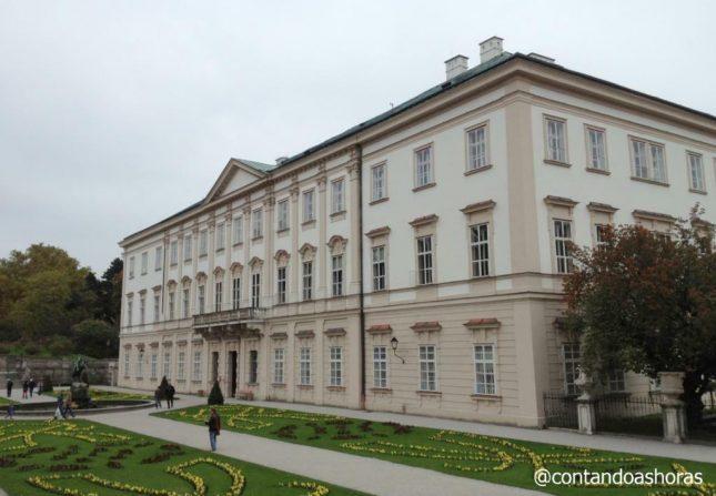 Os jardins e uma Apresentação de Música Clássica no Palácio Mirabell