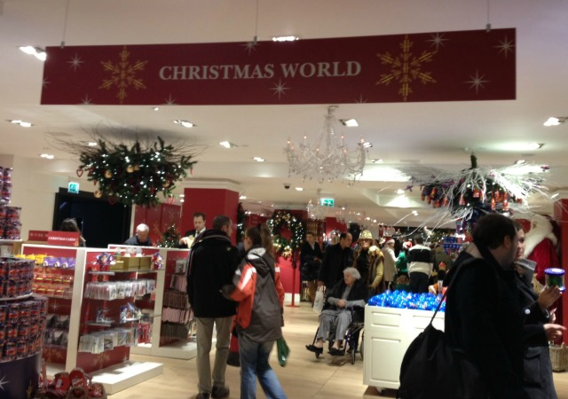 Londres: Christmas World, na Harrods
