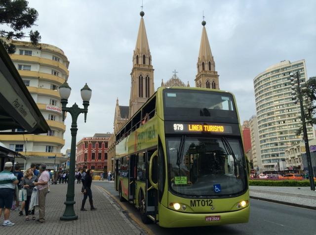 Como andar no ônibus Linha Turismo de Curitiba
