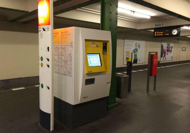 Como andar de metro em Berlim