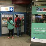 Andando no metro de Bruxelas