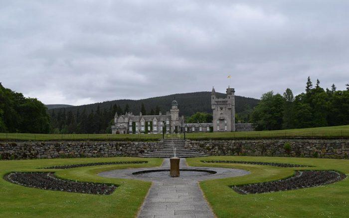 Castelo de Balmoral, residência de verão da Família Real Britânica na Escócia